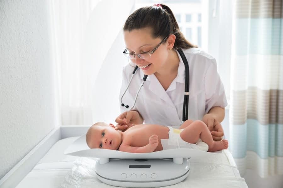 Saiba como escolher o pediatra para seu bebê