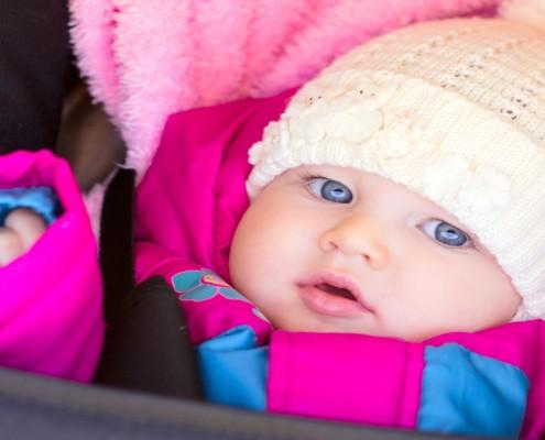 Veja como vestir o bebê no frio