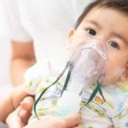 Conheça os sintomas do coronavírus nos bebês e crianças