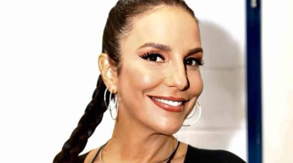 Na festa de um ano das suas gêmeas a cantora Ivete Sangalo relembra como foi o parto