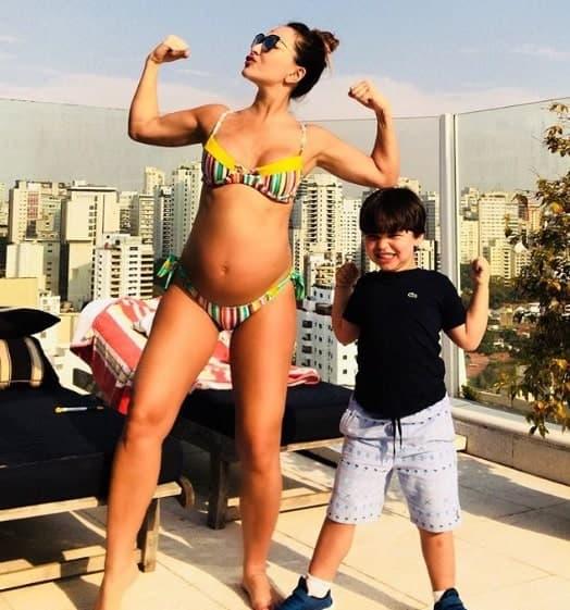 A futura mamãe Sabrina Sato e sobrinho Felipe