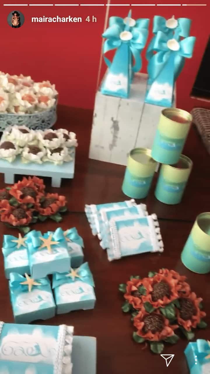 A ex-apresentadora do Vídeo Show, Maíra Charken, mostrou as lembrancinhas do filho