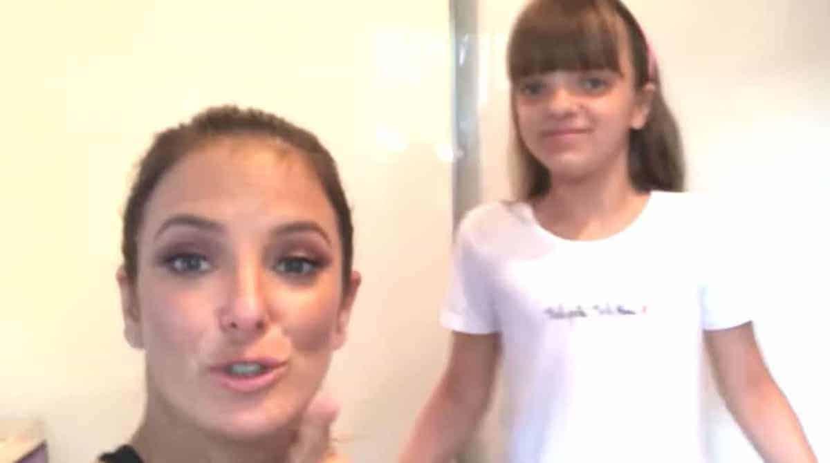 Durante um jogo de foca a filha mais velha de Ticiane Pinheiro a Rafa Justus mostrou o nome de sua irmã que irá nascer