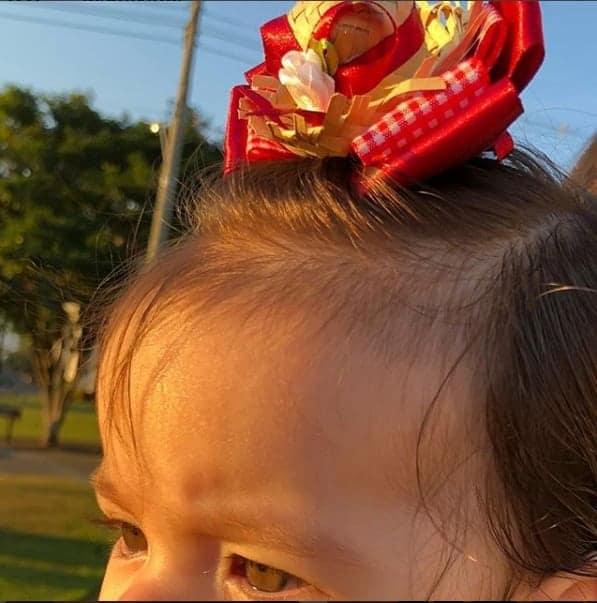 Essa foi a foto que a mamãe Adriana Sant´Anna compartilhou de sua filha Linda