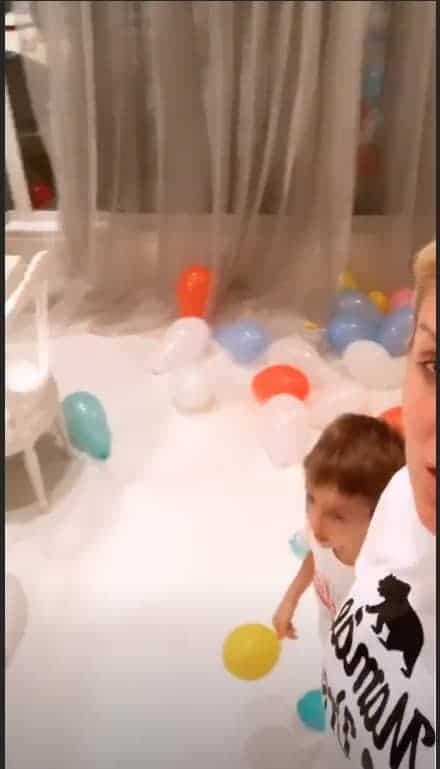 Bexigas foram usadas na decoração da festa do pequeno Ale