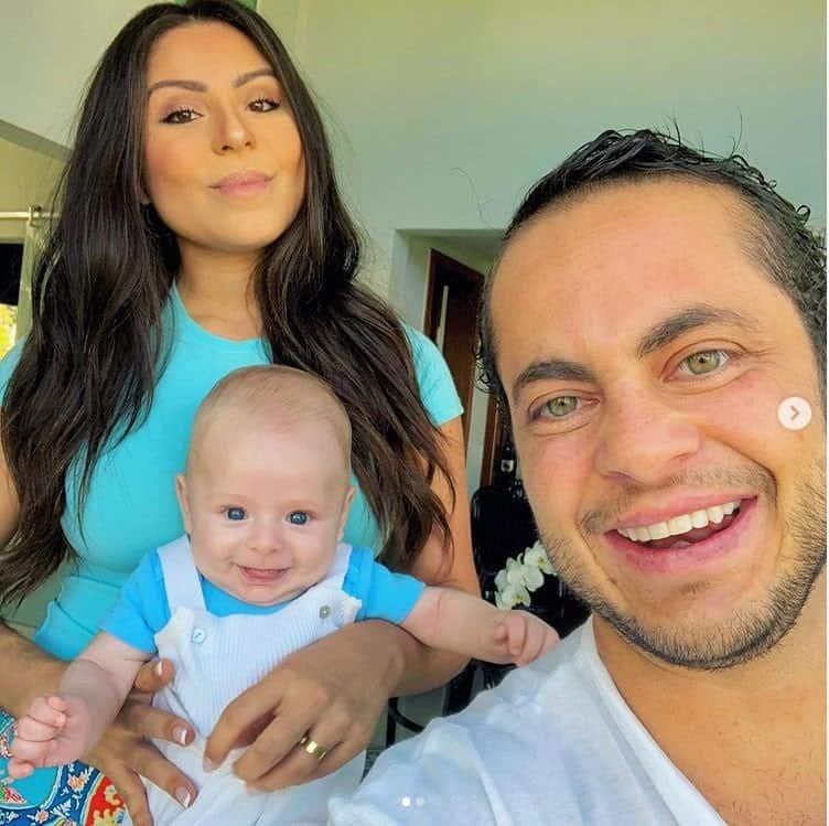 Andressa Ferreira e Thammy Miranda com seu bebê