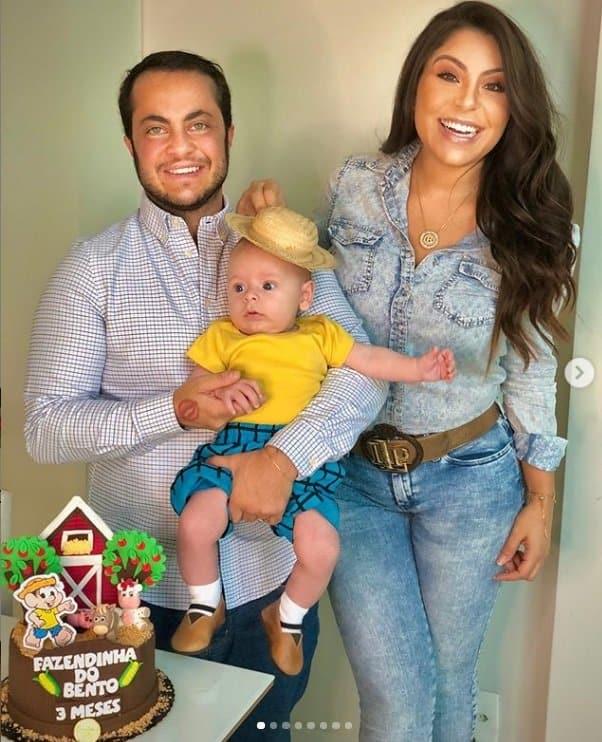 Andressa Ferreira e Thammy comemorando o mêsversário do filho