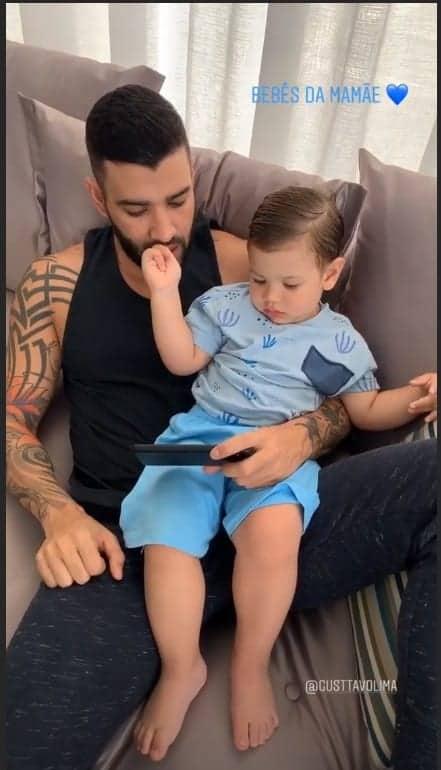 Gabriel brincando com o papai Gusttavo Lima