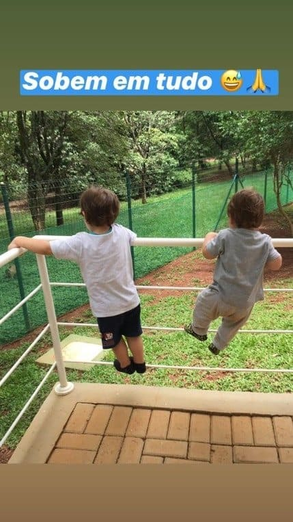 Filhos de Andressa Suita e Gusttavo Lima em momento inusitado