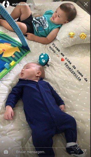 Curtindo a cama da vovó os filhos do cantor Gusttavo Lima e Andressa Suita