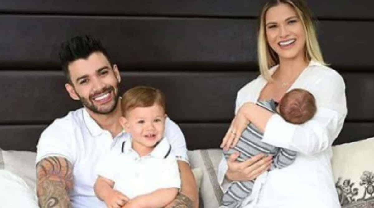A mãe da modelo Andressa Suita publicou uma bela foto da modelo Andressa Suita