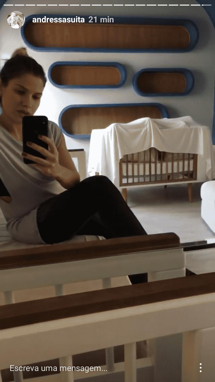 O quarto do pequeno Gabriel passa a ser o quarto do futuro bebê