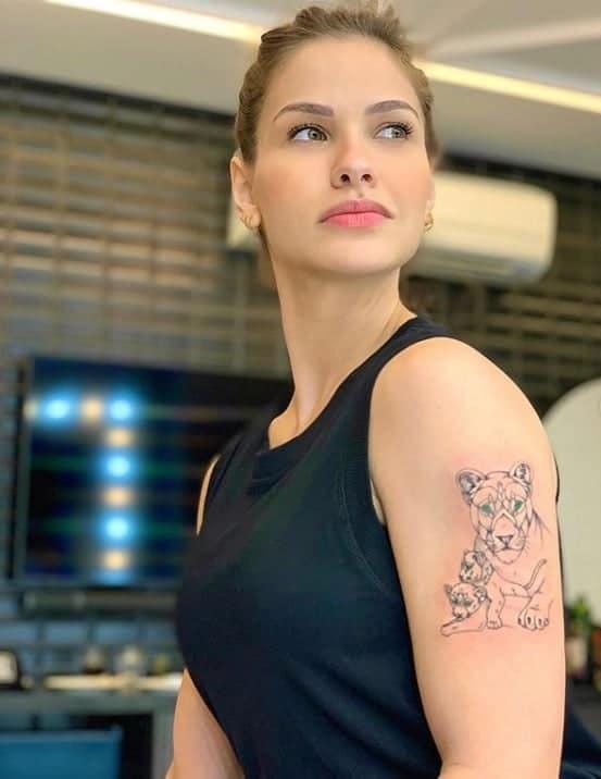 Andressa Suita homenageou os filhos com tatuagem