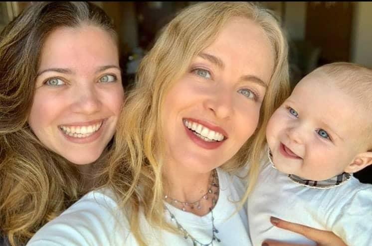 Angélica posta foto com sobrinha-neta e semelhança impressiona