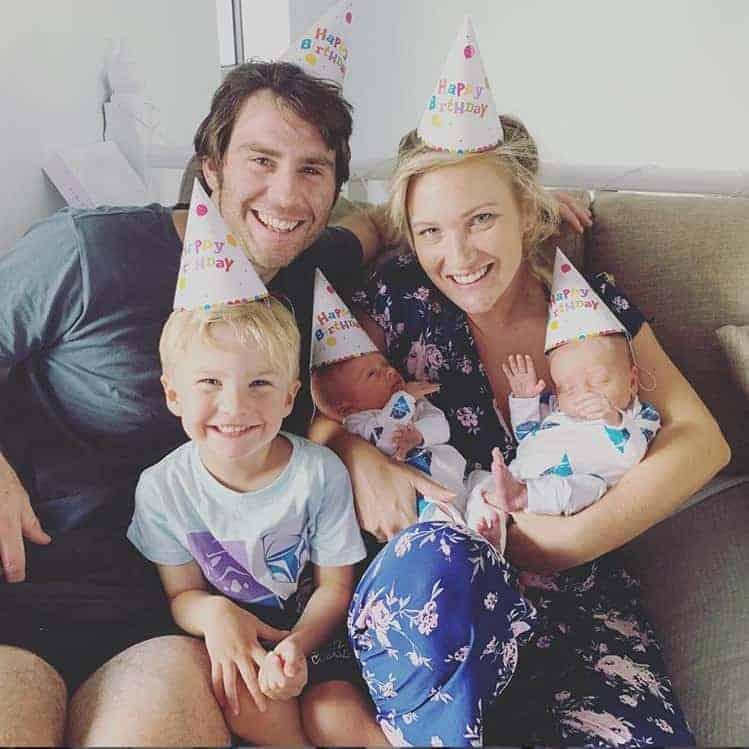 A família do apresentador Jimmy 'Giggle' Rees