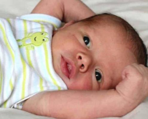 O bebê que acorda muito cedo? Veja o que fazer!