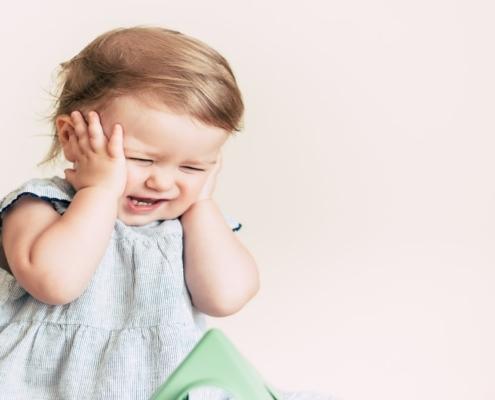 Entenda como os sons altos podem prejudicar o bebê