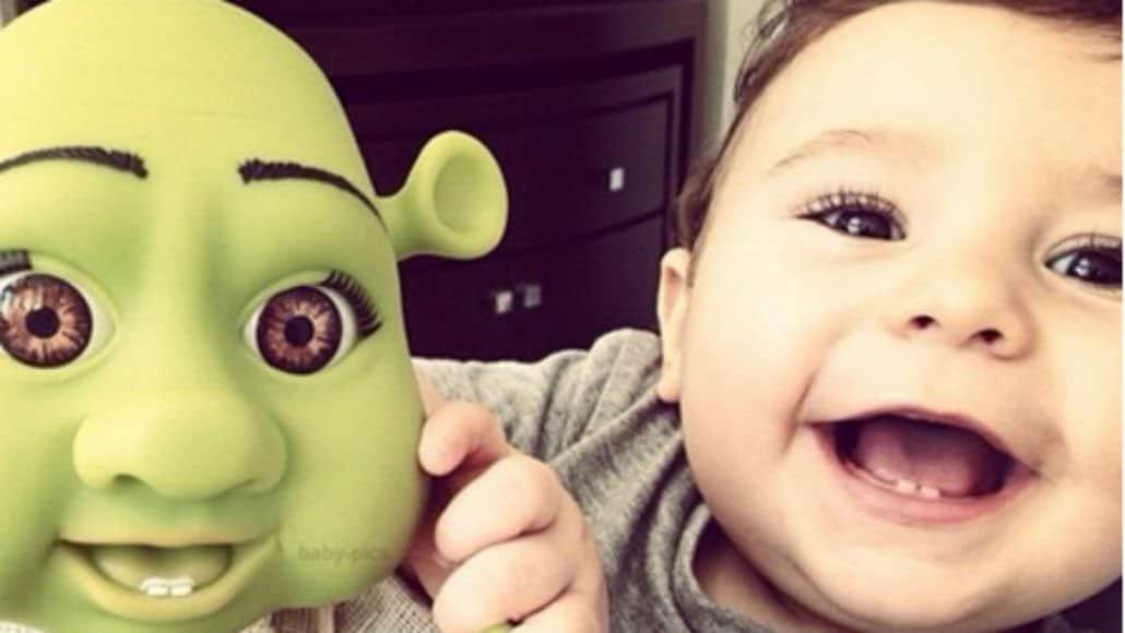 Com o bebê do Shrek