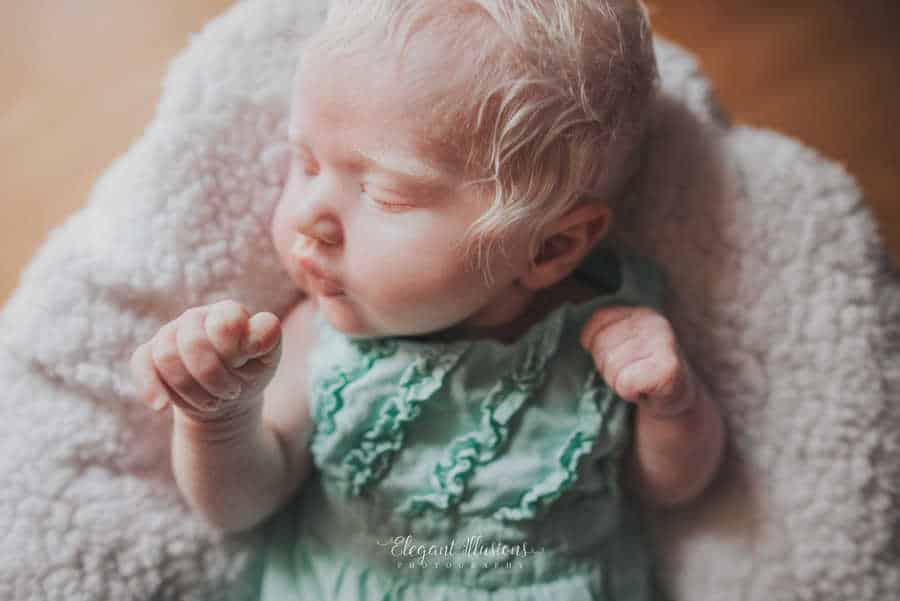 Mais uma publicação da pequena Noralynn Kay e seus cabelos brancos