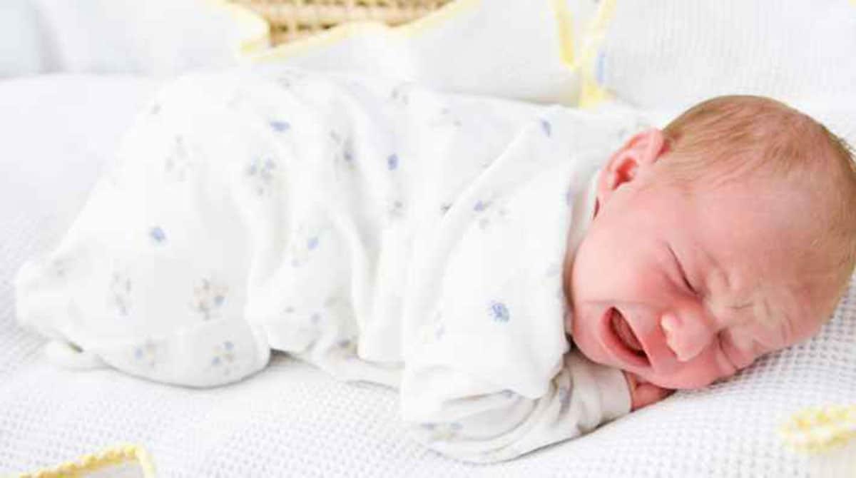 Descubra se existem bebês que choram muito mais que o normal