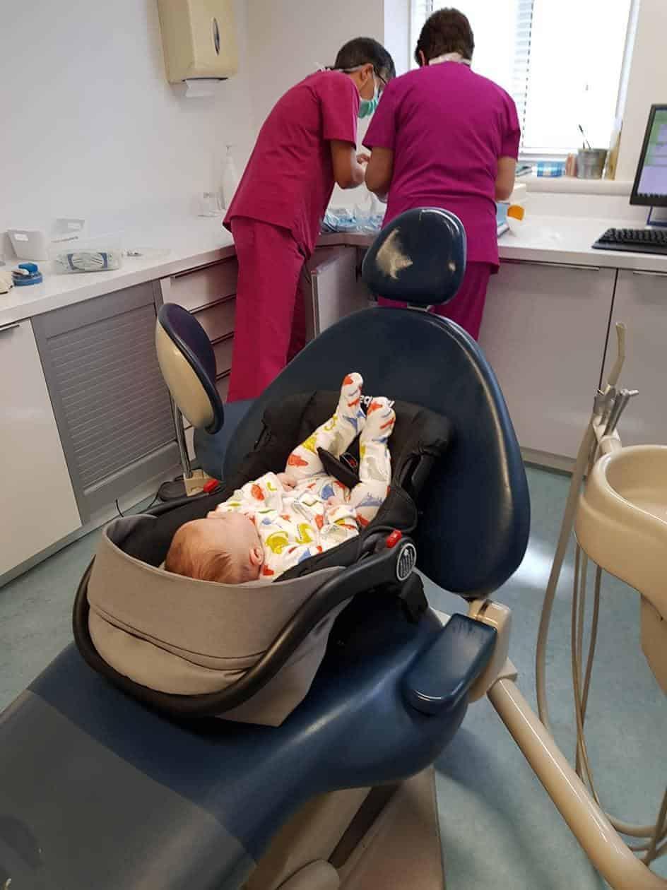 Oscar esperando o dente ser retirado