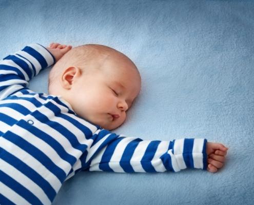 Aprenda a colocar o bebê para dormir com segurança