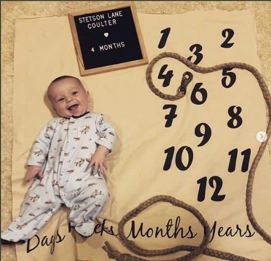 O bebê Stetson Coulter com 4 meses e uma história na medicina