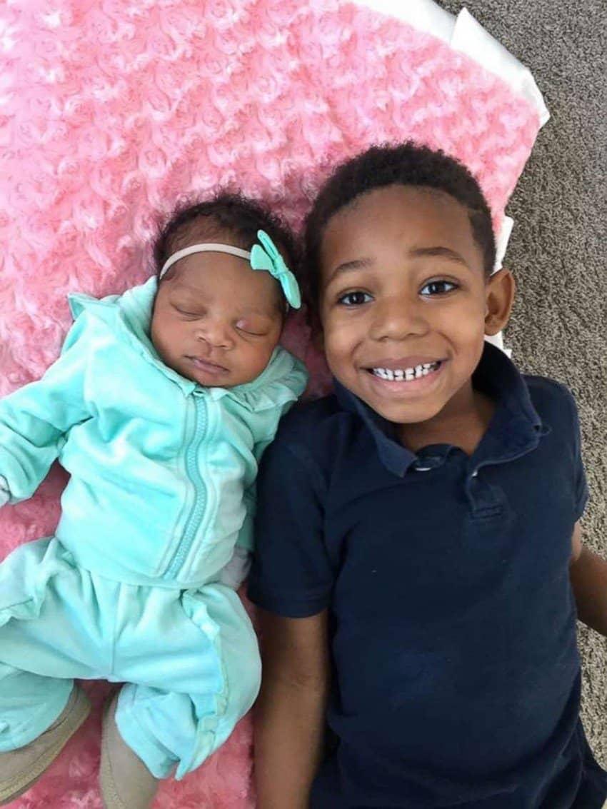 Além da bebê, o casal tem mais dois meninos