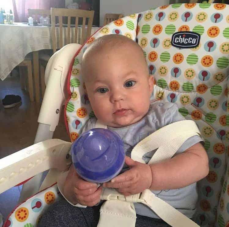O bebê Toby morreu aos seis meses devido à Síndrome da Morte Súbita Infantil