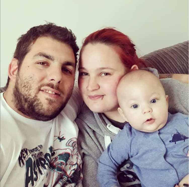 A mãe India, o pai Jaime com o pequeno Toby