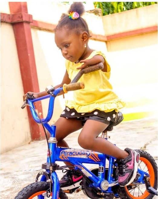 A bebê Tiaraoluwa foi diagnosticada com Deficiência Ulnar