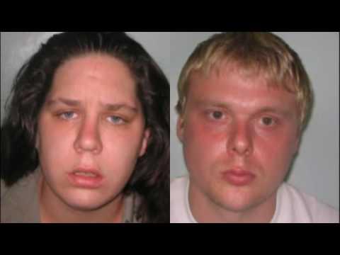 Mãe e namorado torturaram o bebê menino