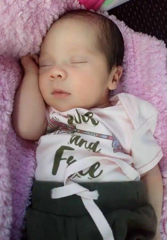 Bebê nasceu grávida por causa de uma condição rara
