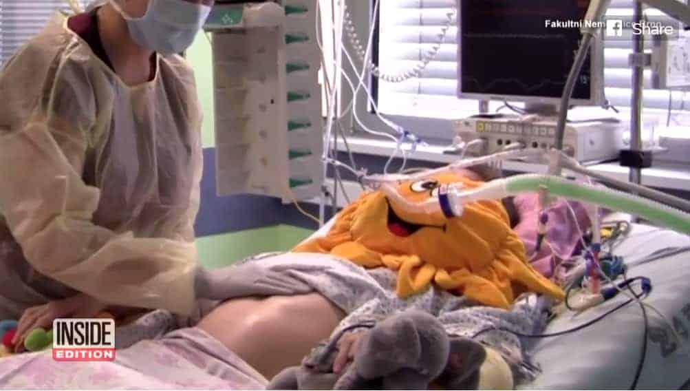 Mãe internada enquanto estava grávida de sua bebê