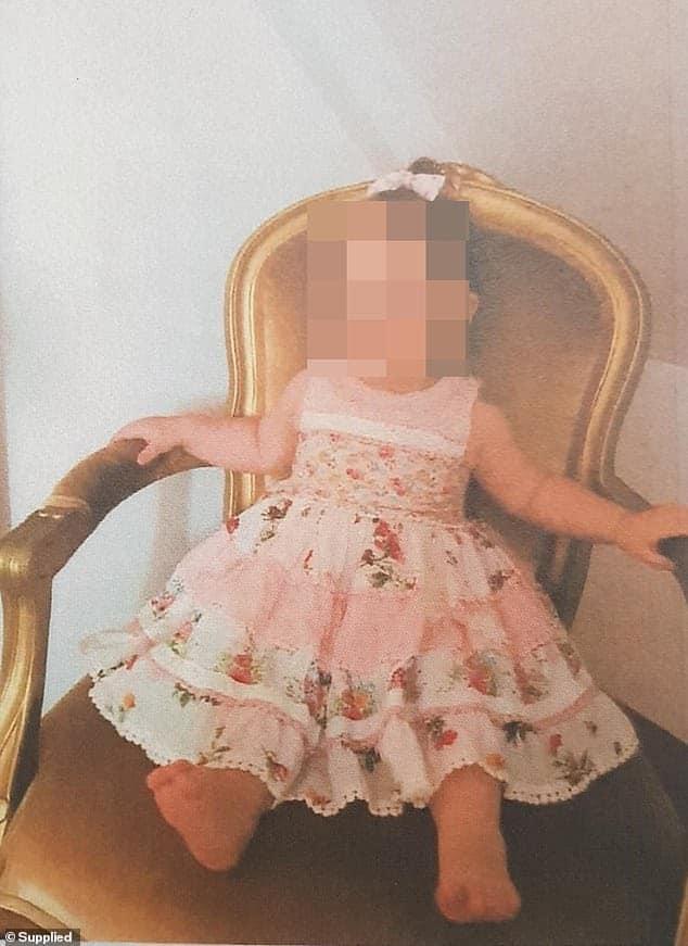 Por cauda da altura hoje infelizmente a menina é considerada obesa