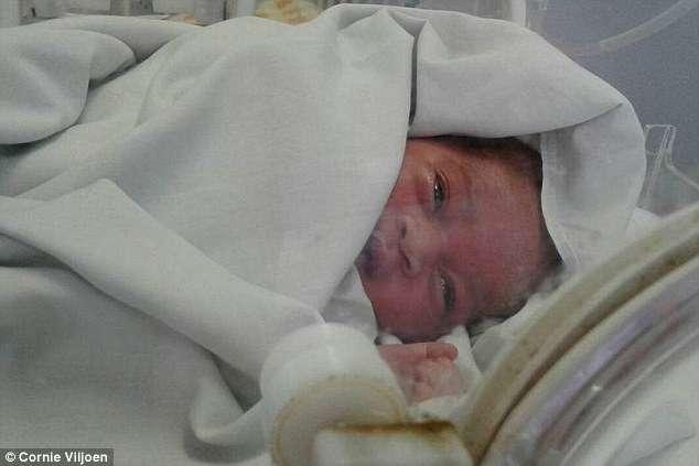A bebê agora está sendo cuidada no Dora Nginza Hospital