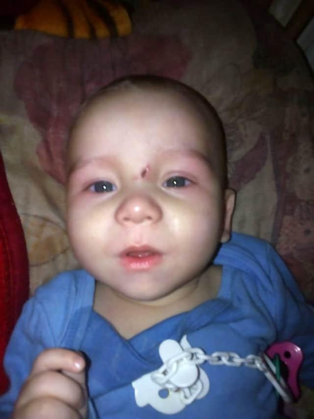Bebê Zakhar de oito meses morreu após negligência da mãe