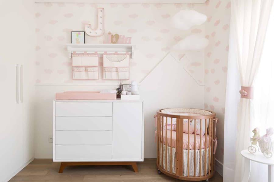 Berço redondo é opção para o quarto de bebê