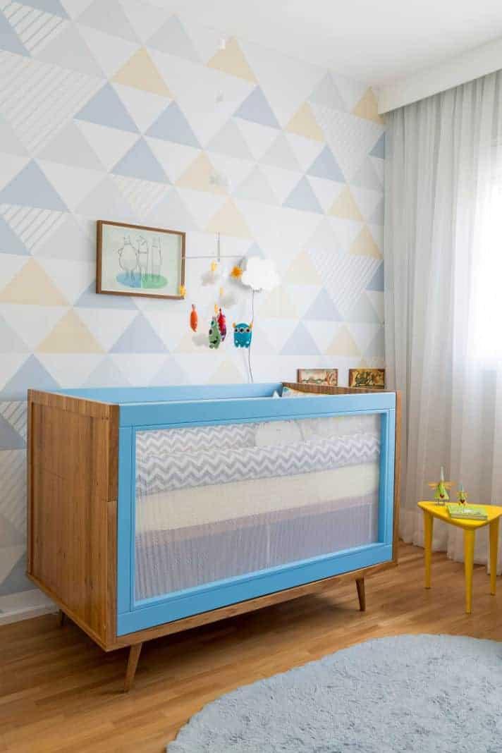 Opção de berço com tela para o quarto de bebê