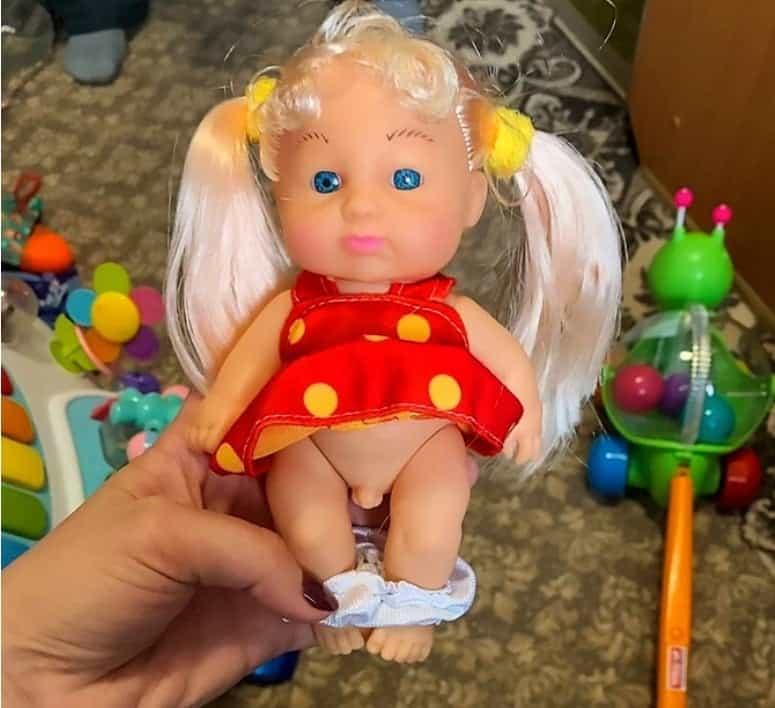 Boneca trans que foi vendida em loja da Rússia