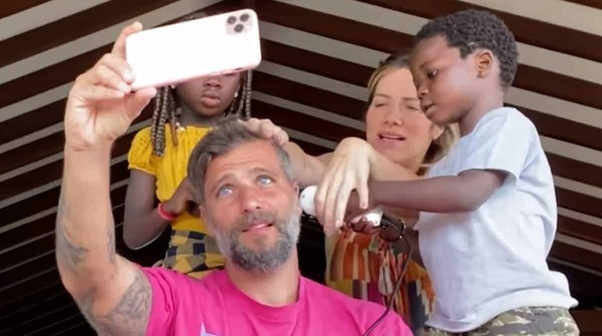 Bless cortou o cabelo do pai Bruno Gagliasso