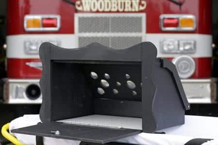 A caixa Safe Haven Baby Box com a tampa aberta