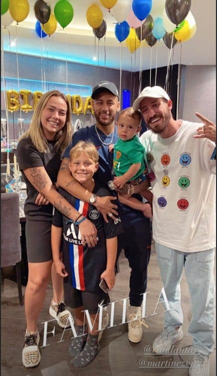 Carol Dantas comemorando o aniversário de seu filho com Neymar