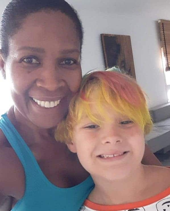 Filho de Carol Dantas e Neymar com sua babá