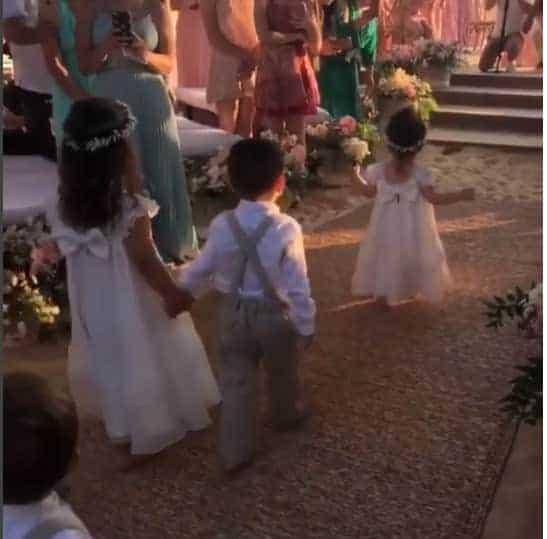 Momento fofura dos pajens e daminhas do casamento de Camila Queiroz e Klebber Toledo