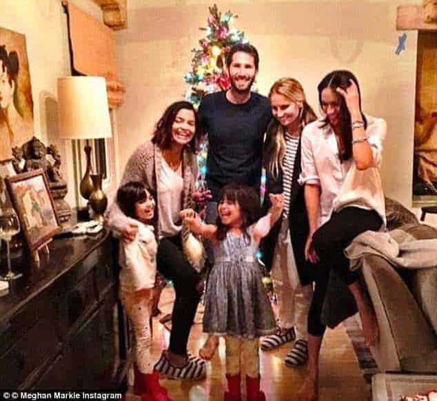 Meghan passou o Natal de 2016 com as afilhadas que serão daminhas