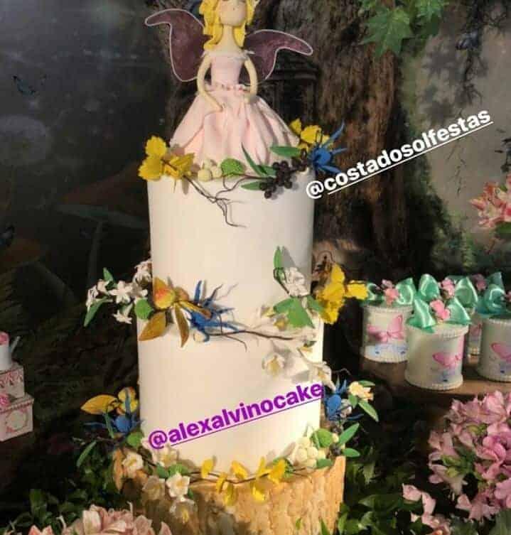 Acompanhe os detalhes da festa de chá de bebê de Bella