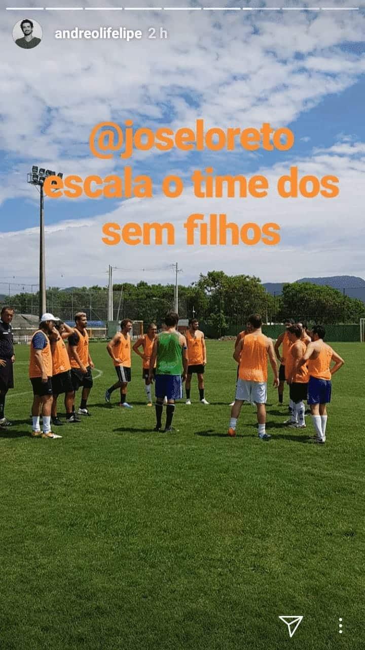 """José Loreto escalando o time dos sem filhos no divertido """"futfralda"""""""