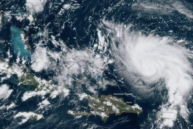Imagam do furacão que Claudia Leitte e Bela podem enfrentar