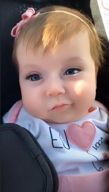 Bebê de Claudia Leitte com filtro de cílios postiços